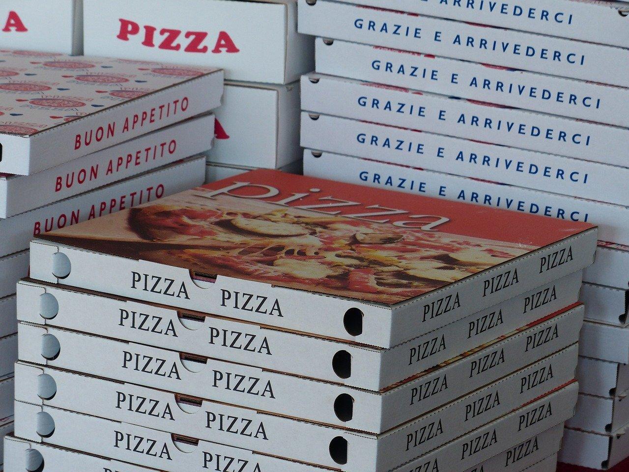 宅配ピザの画像